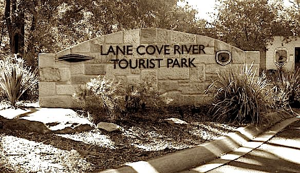 Lane Cove River Tourist Park welcome sign