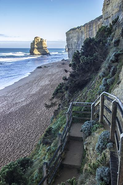 Gibson Steps, una scalinata che porta sulla spiaggia dove sorgono i primi due dei 12 apostoli